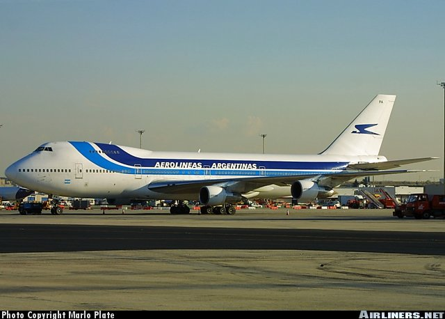 An Aerolineas 747-200 in the Iberia style paint scheme.